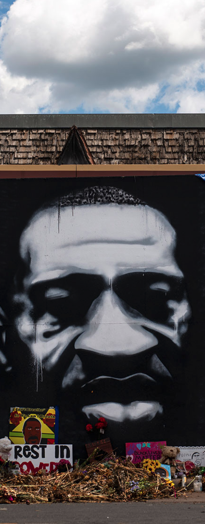 ジョージ・フロイドを追悼して描かれた壁画。ミネソタ州ミネアポリスにて。