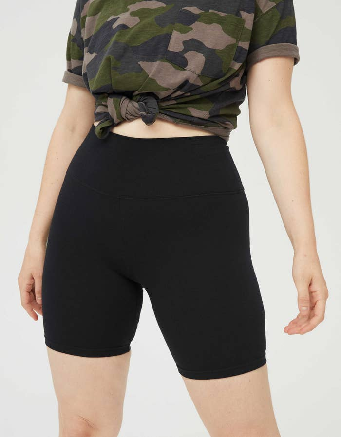 The high-waisted bike shorts in black
