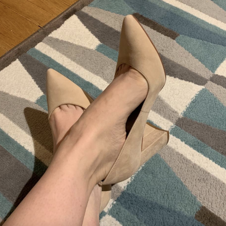 same reviewer showing the 2.75 inch heel
