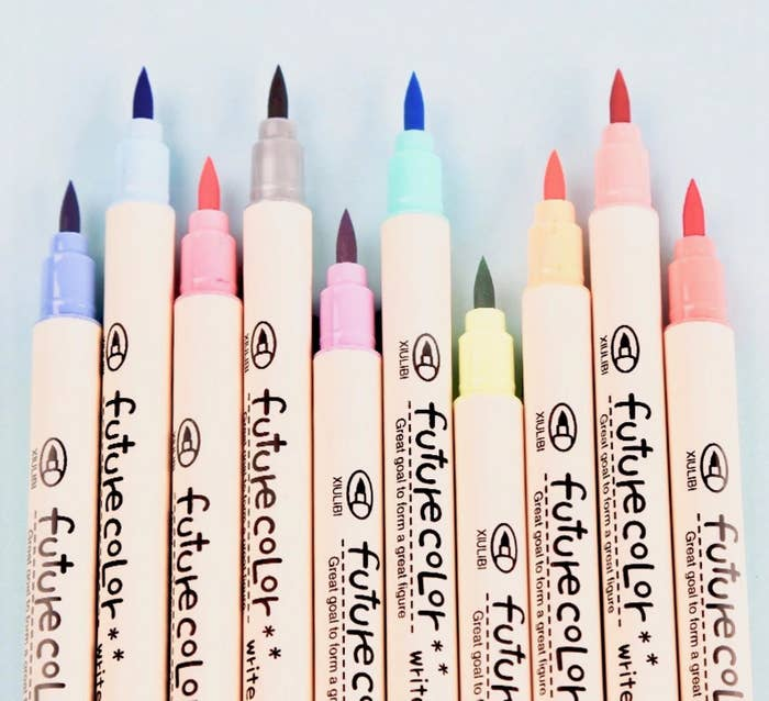 A set of pens in 10 rainbow colors