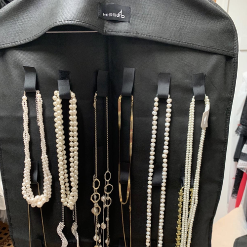 review photo of the organizer in black