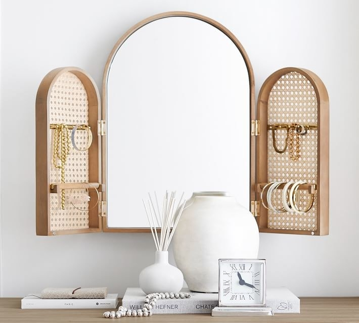 the mirror with mango wood doors for jewelry storage