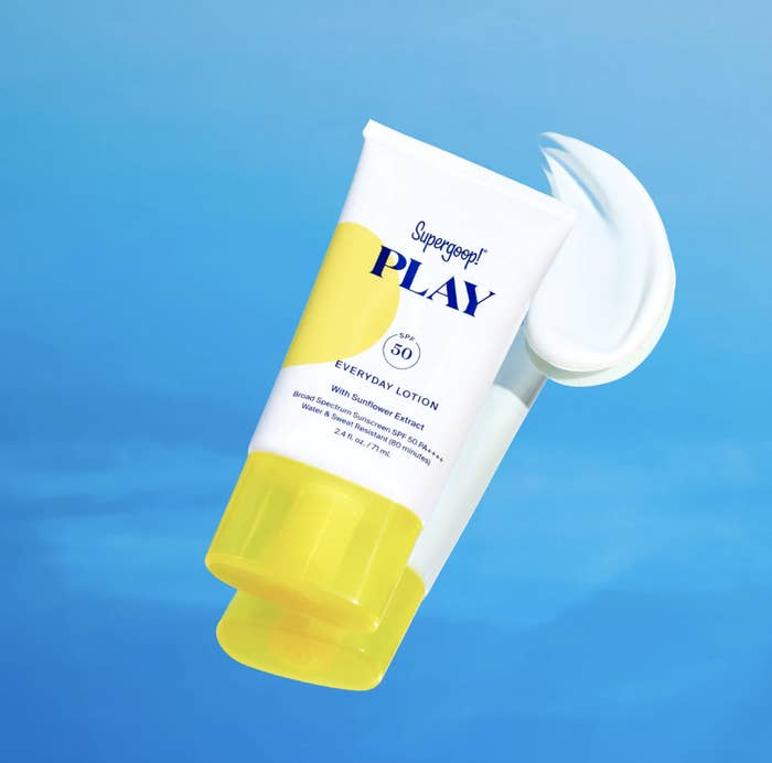 An image of the sunscreen squeeze bottle