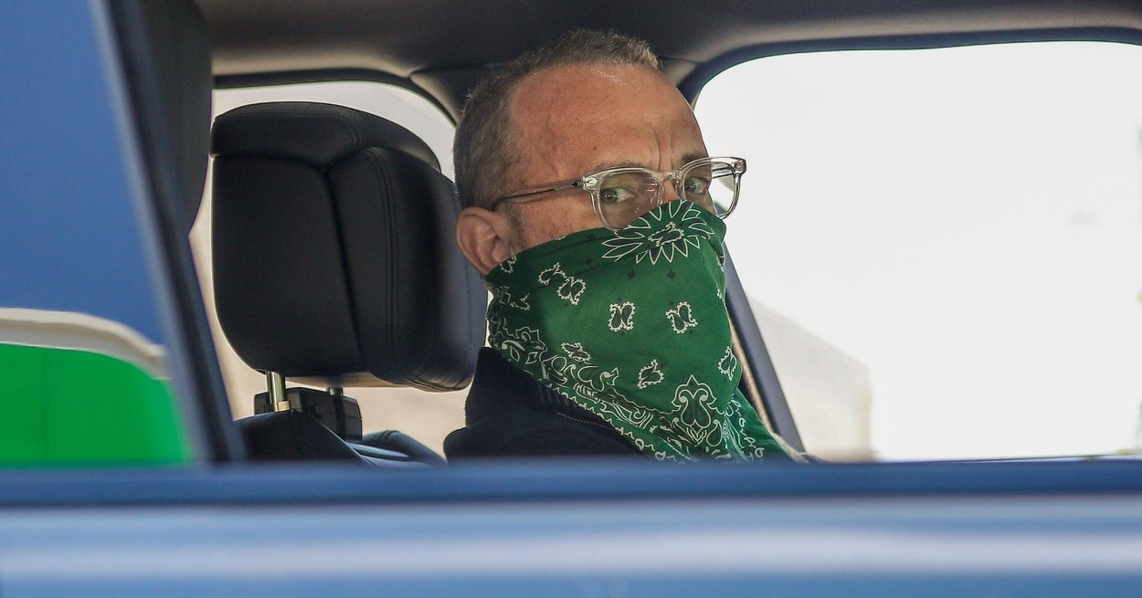 Tom Hanks Blasted People Who Aren't Wearing Masks And, Well, He Did Not Hold Back