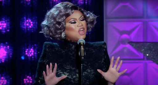 Jujubee preforming a song on the main stage during the first episode of All Stars 5