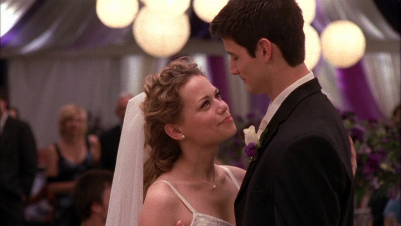 Haley and Nathan dance together at their second wedding