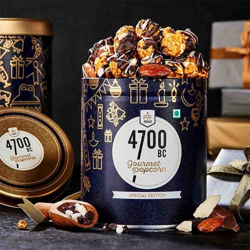 Tin of the chocolate popcorn