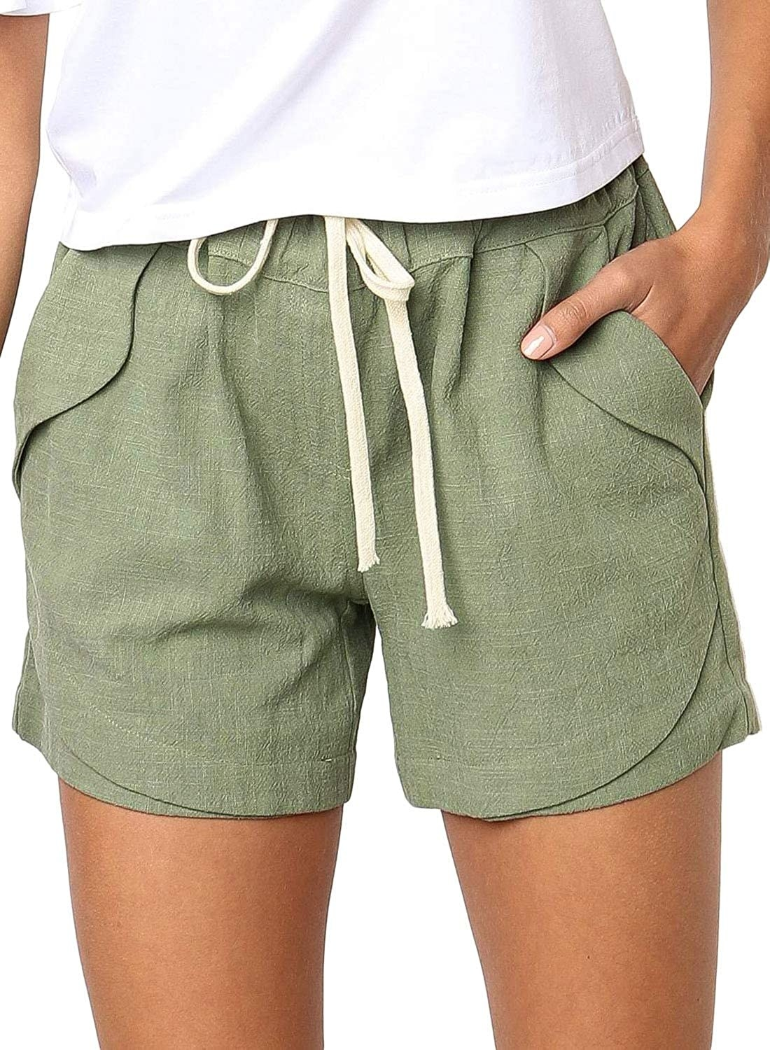 The shorts with a drawstring waist and pockets in green