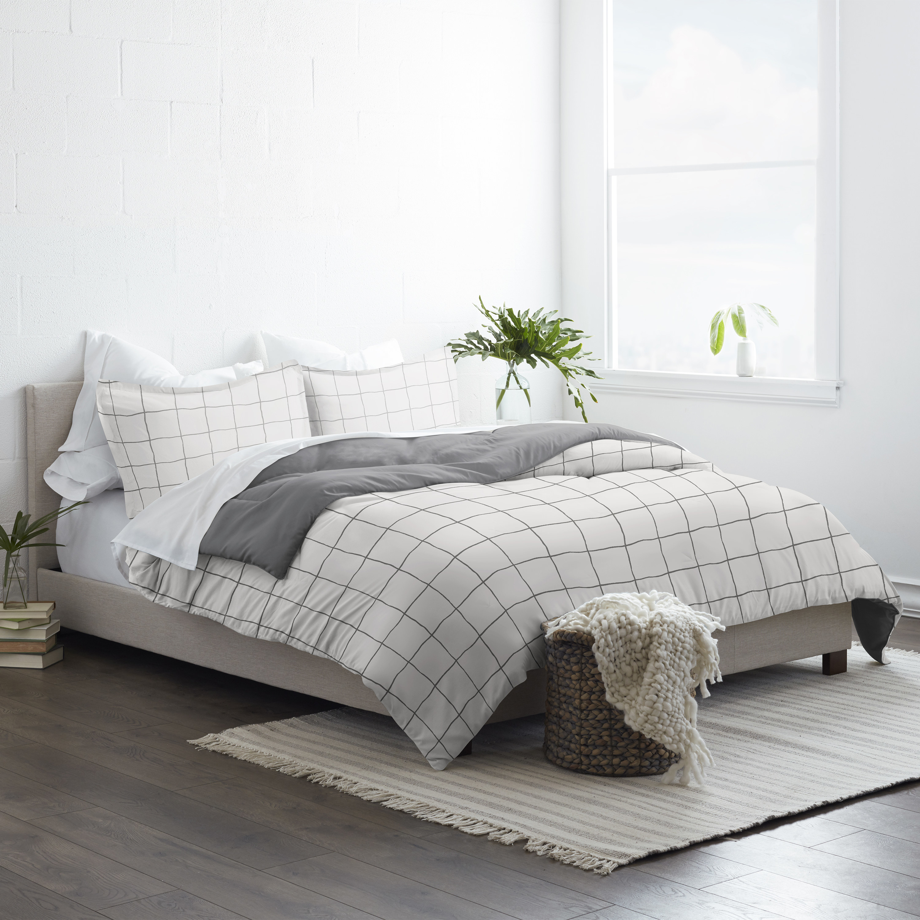 the black and white striped comforter