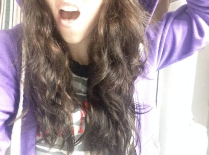 old photo of farrah's wavy hair