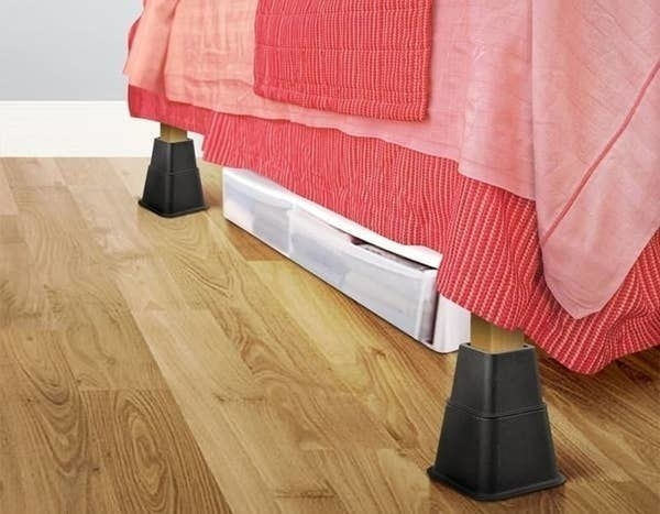 The bed risers
