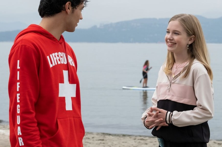 Stacey flirts with her lifeguard crush.