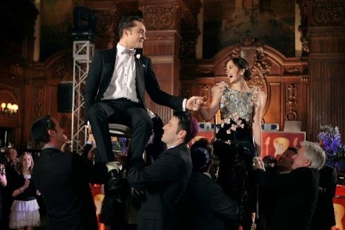 chuck and Blair doing the Hora