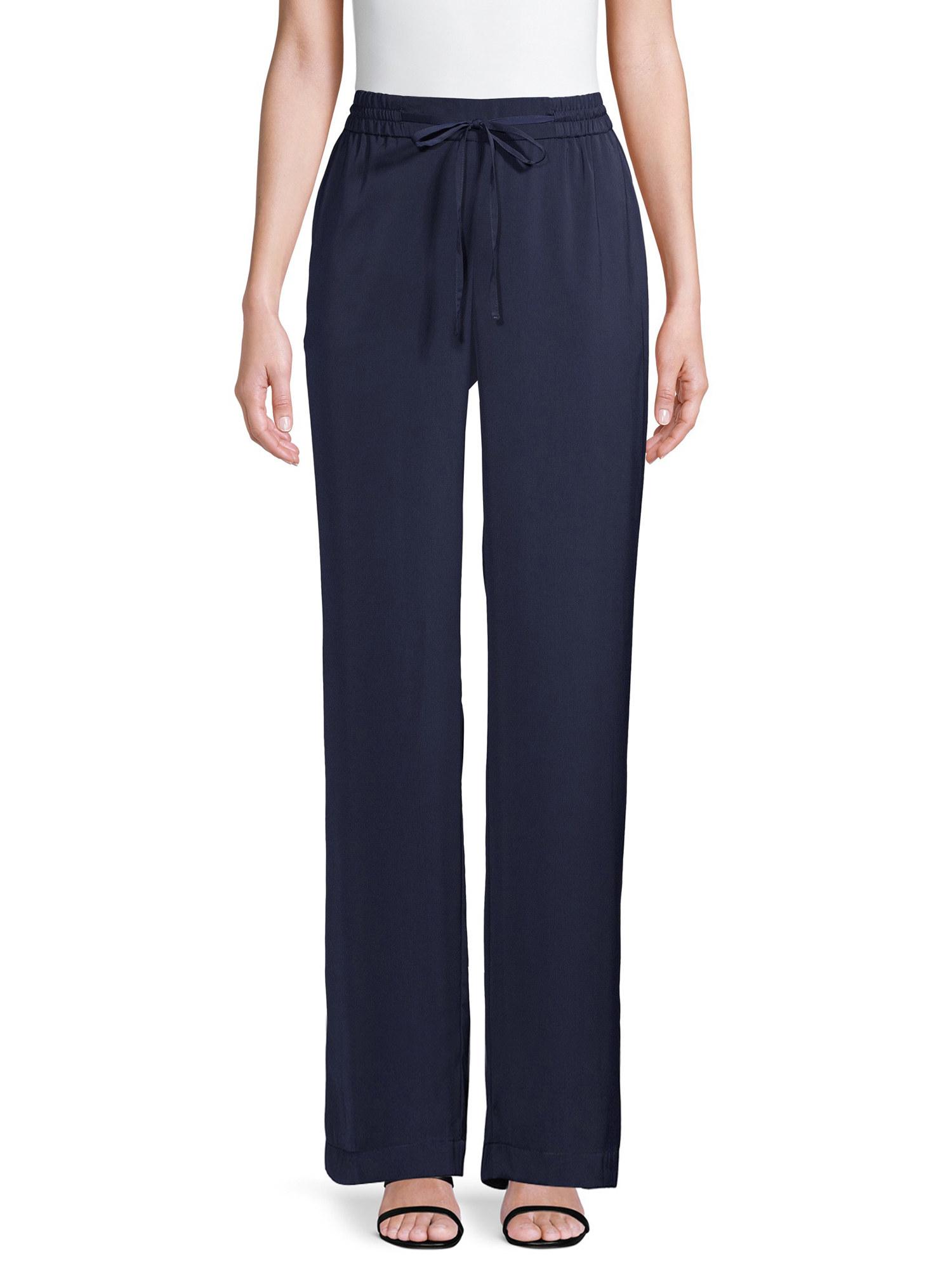 model wearing navy pants