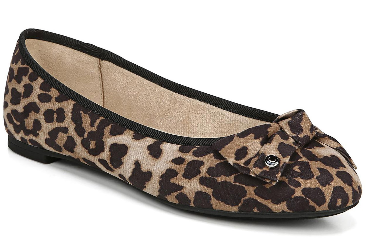 The flats in leopard print