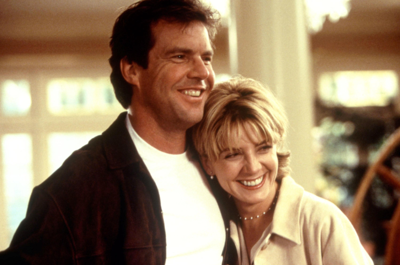Dennis Quaid and Natasha Richardson hugging in movie