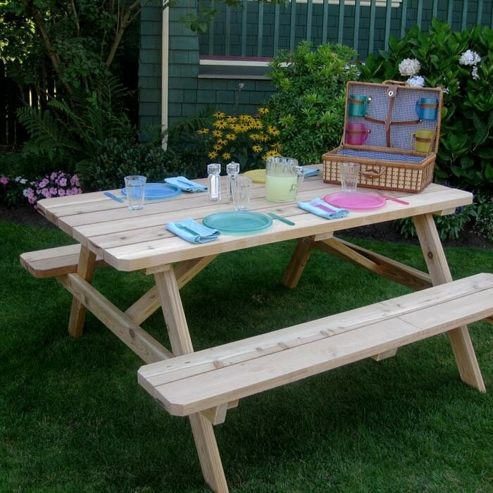 Connerton outdoor picnic table in western red cedar