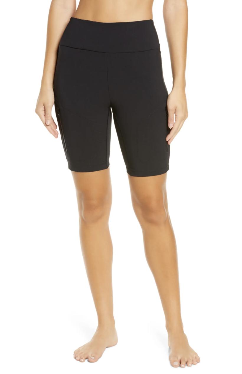 The high-waisted bike shorts in black