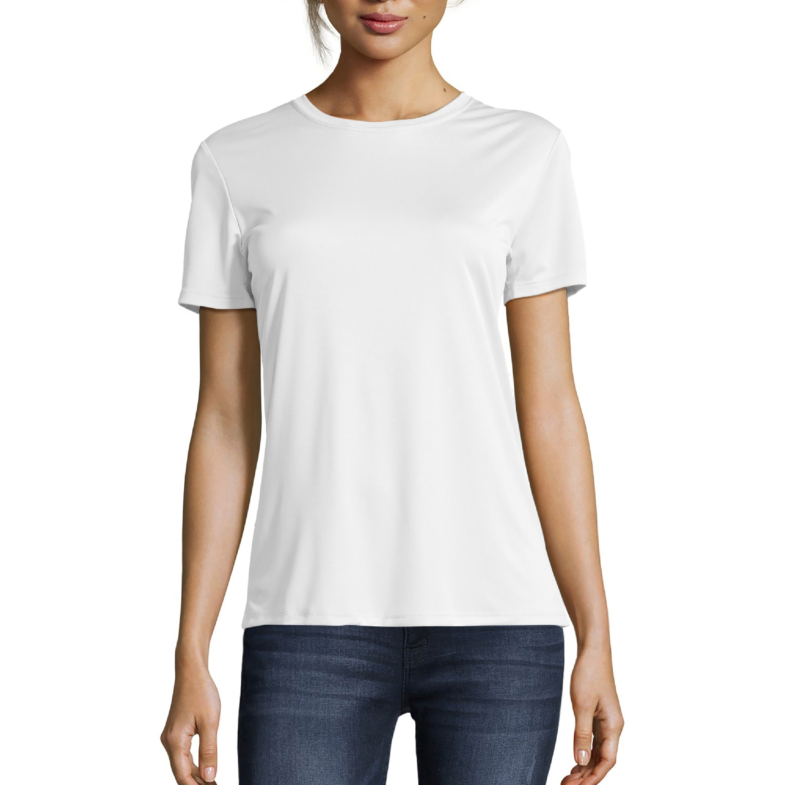 Model wearing the white T-shirt