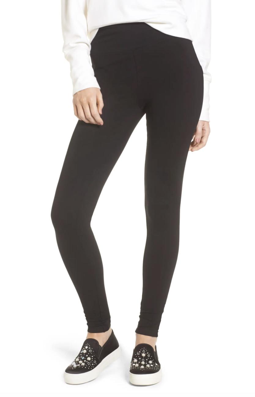 Model wearing the leggings in black