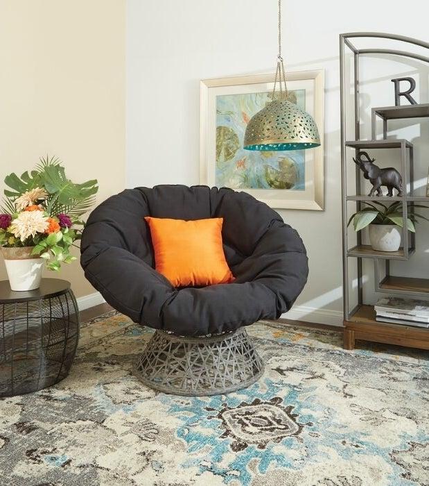 Swivel papasan chair in black