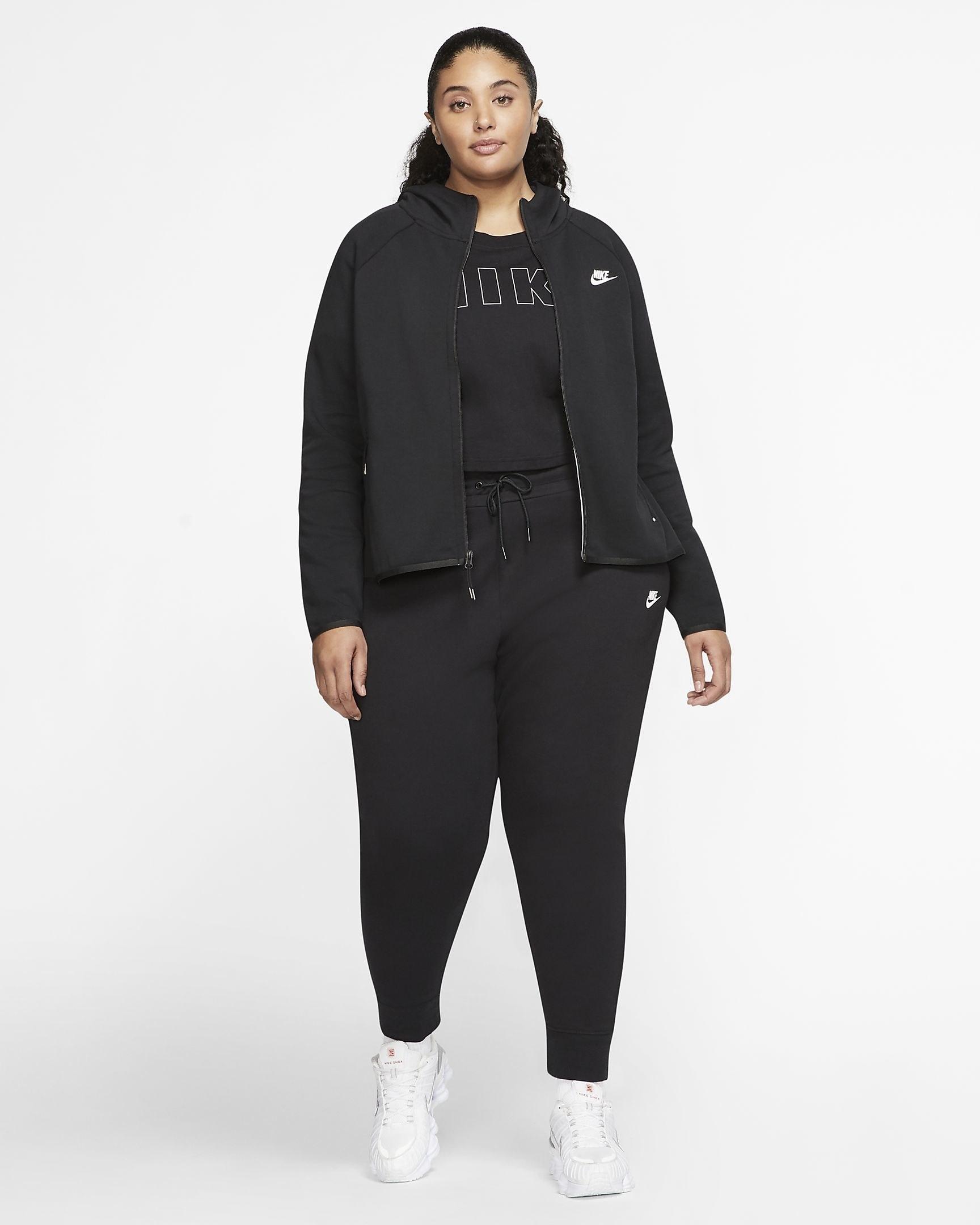 a model wearing the sweatpants in black