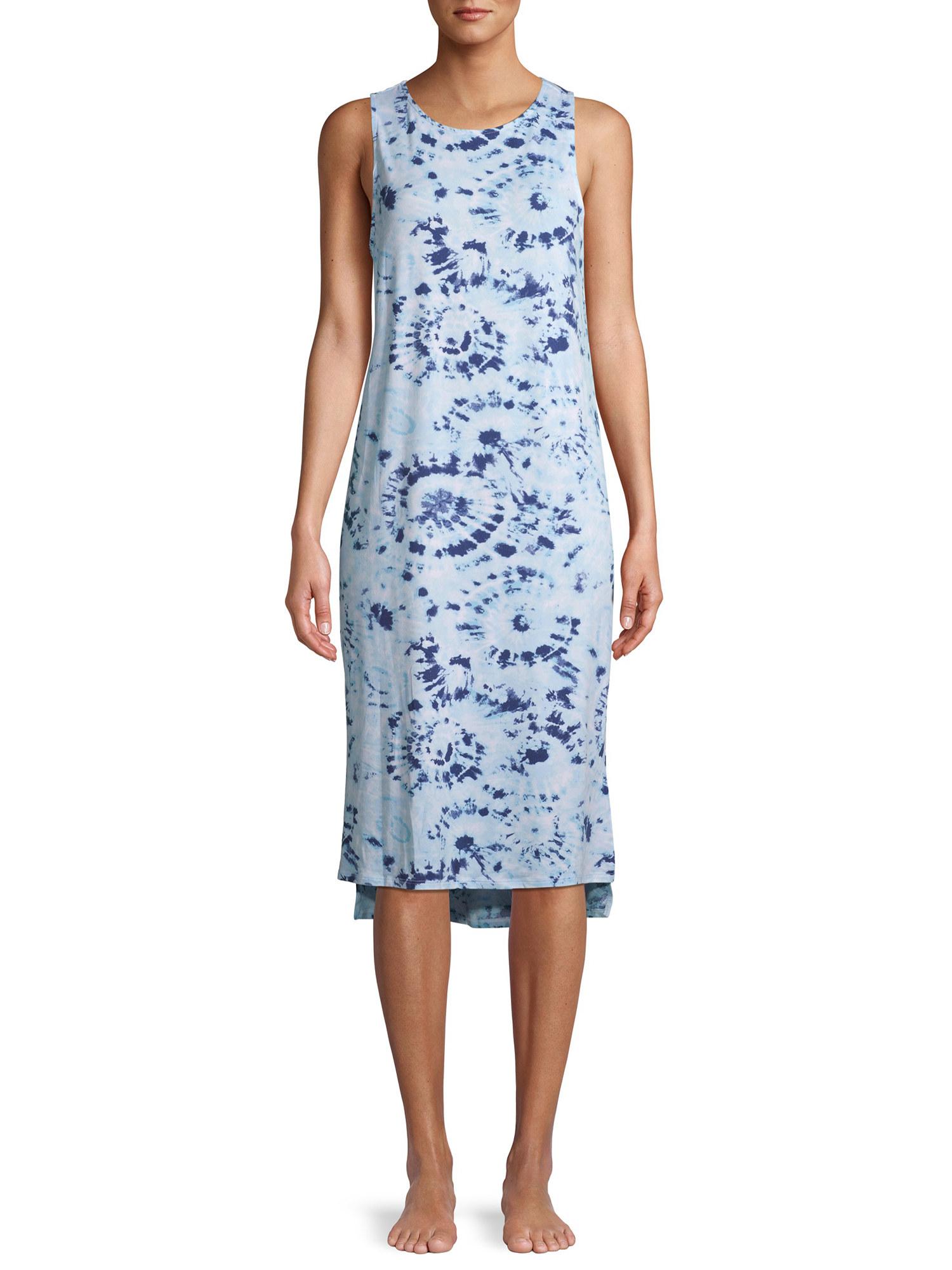 A model in a tie-dye nightgown