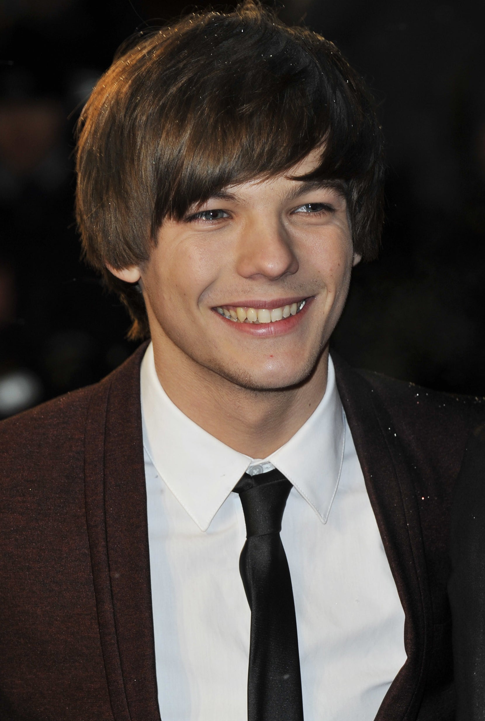 Louis Tomlinson attending a movie premiere in 2010