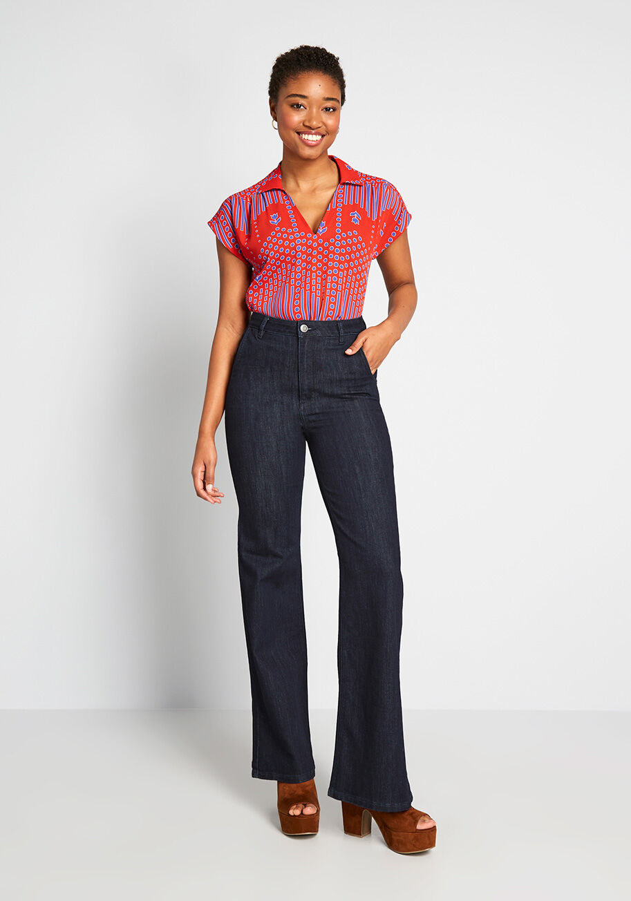 Model wearing the jeans in indigo