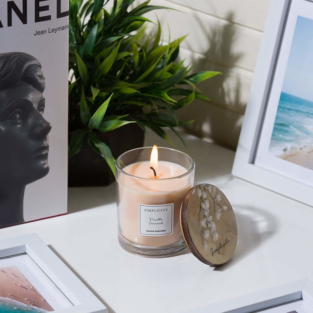 Vanilla caramel candle