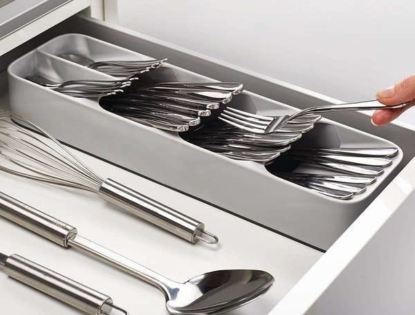 The tiered cutlery organizer