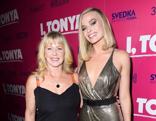 Margot Robbie and Tonya Harding at the I, Tonya premiere