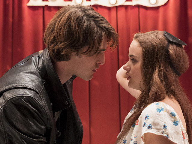 Joey King as Elle removes her blindfold to see Noah (Jacob Elordi) has kissed her.