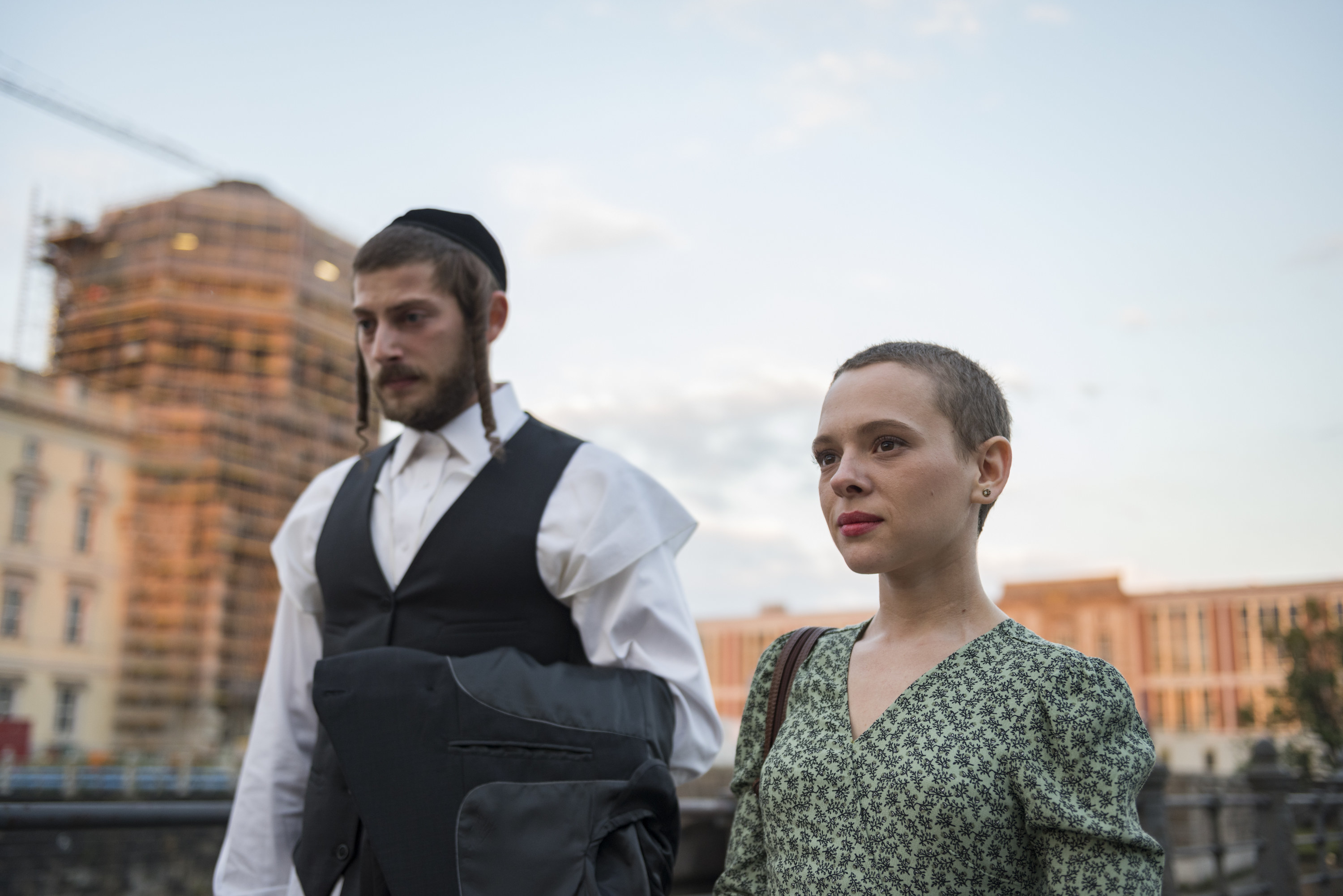 Shira Haas and Amit Rahav as Esty and Yanky in Unorthodox