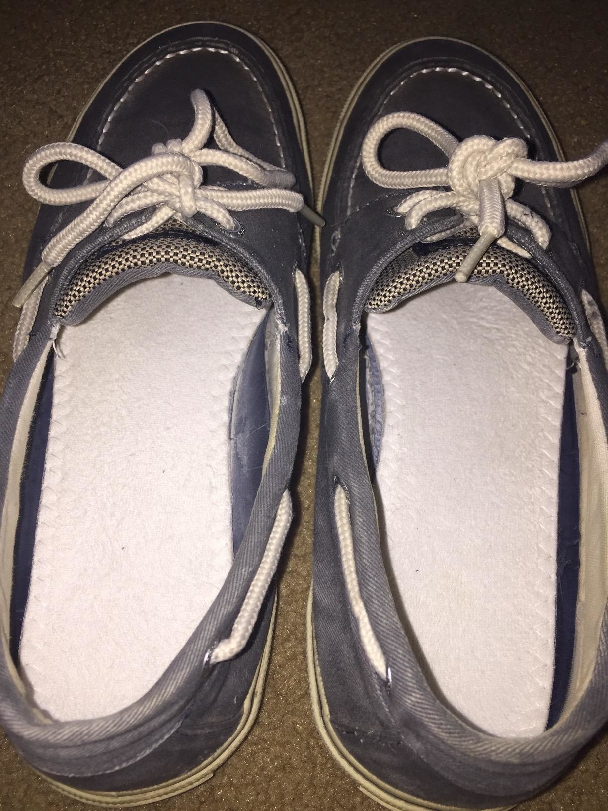 Reviewer photo of the inserts in their Sperry boat shoes
