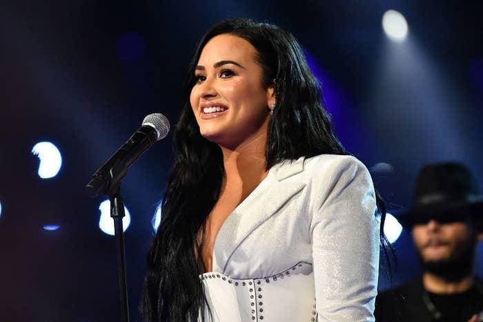 Demi Lovato fala sobre problemas com o corpo