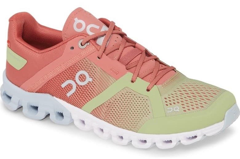 On Shoes Cloudflow running shoe in guava/dust rose colorway