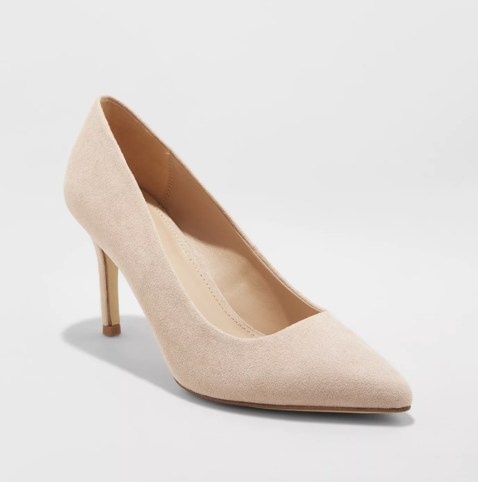 the blush pointed pumps