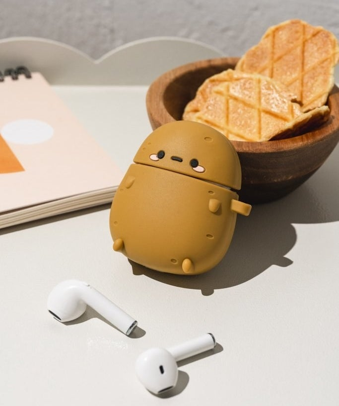 a potato-shaped Airpod case