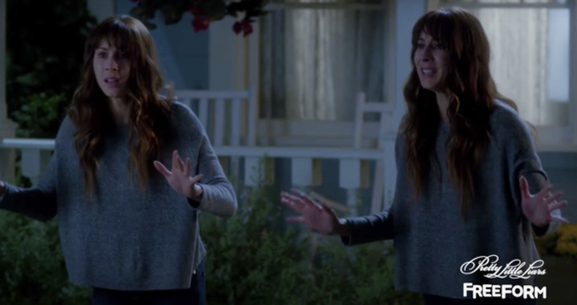 Spencer and her identical twin Alex Drake