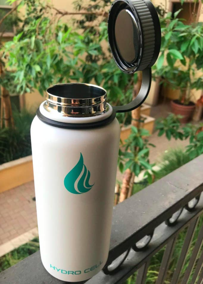 Reviewer photo of Hydro Cell white stainless steel bottle with stainless steel screw cap
