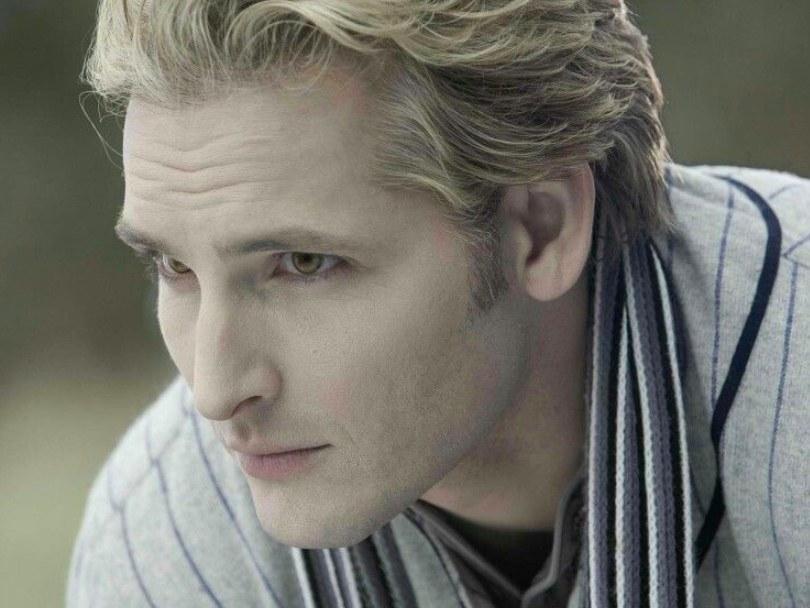 Close up of Carlisl Cullen in Twilight