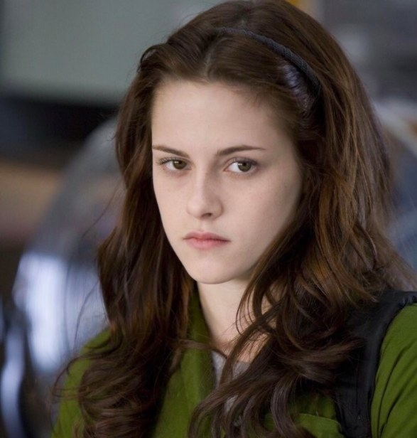 Kirsten Steward as Bella Swan in Twilight