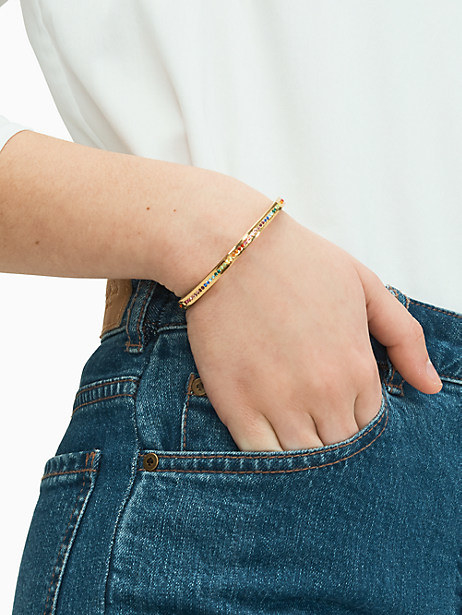 A model wearing the pave bangle
