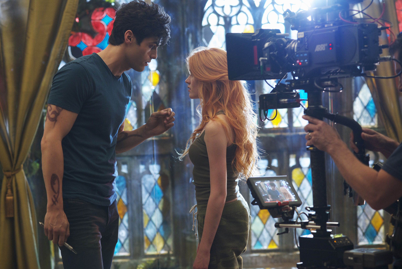 "Matthew Daddario and Kat McNamara filming a scene from ""Shadowhunters"""