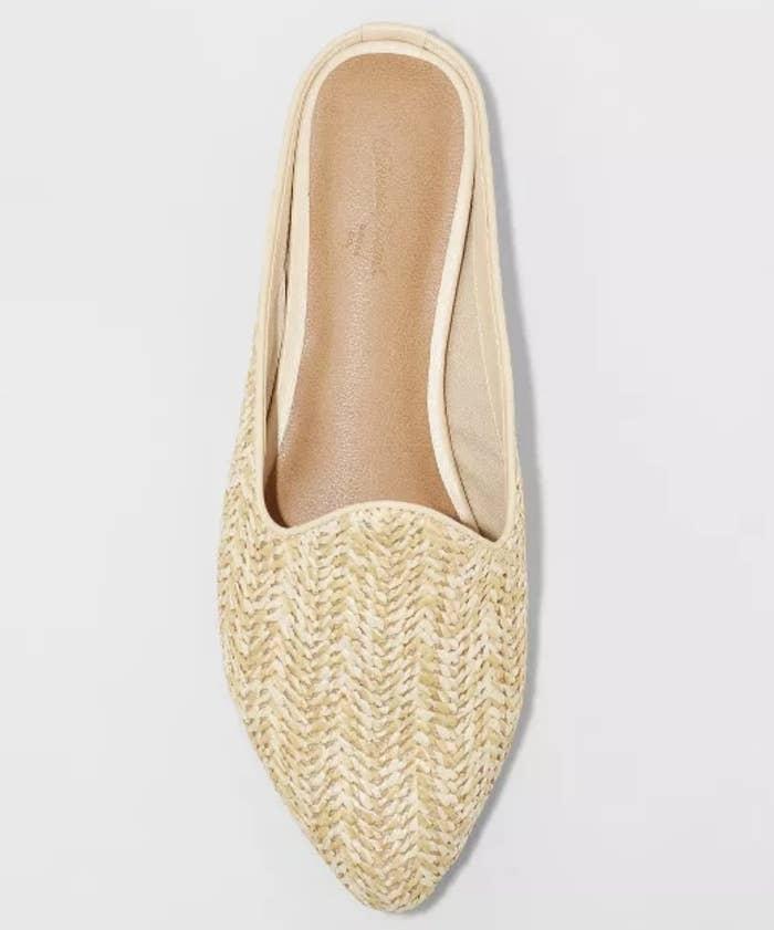 The shoe in tan