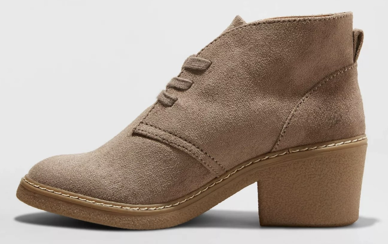 The boot in taupe
