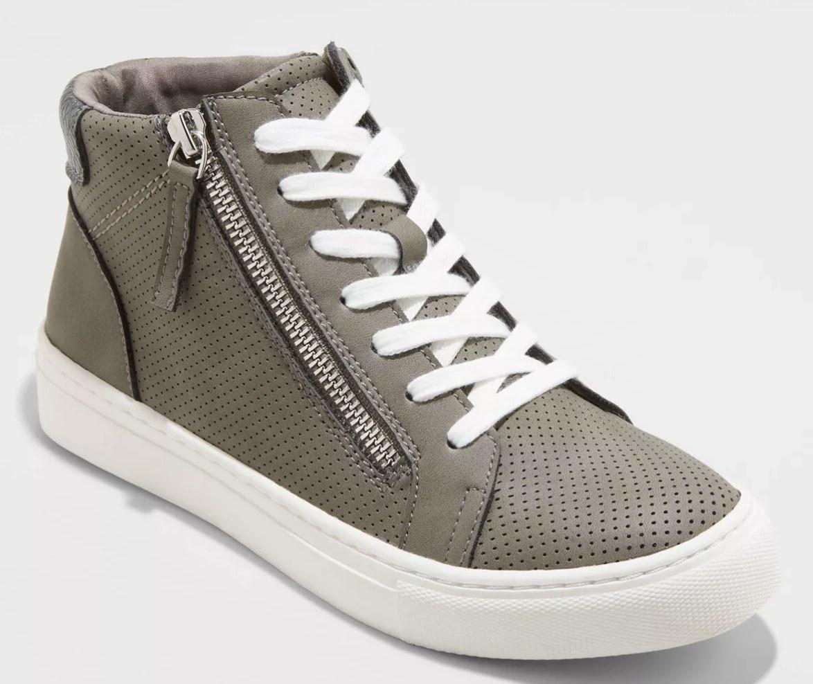 Sneaker in gray