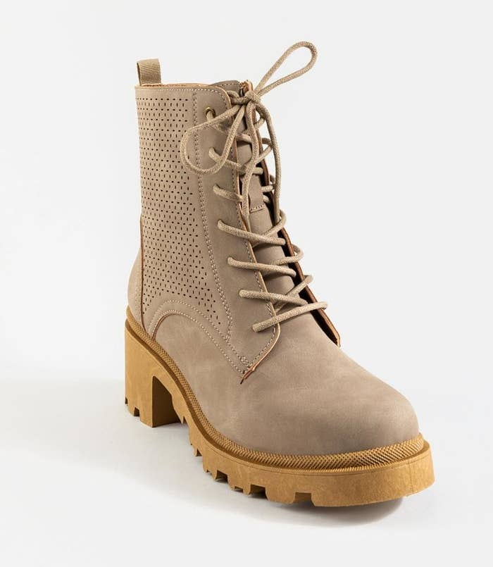 the lace up fauz suede boots