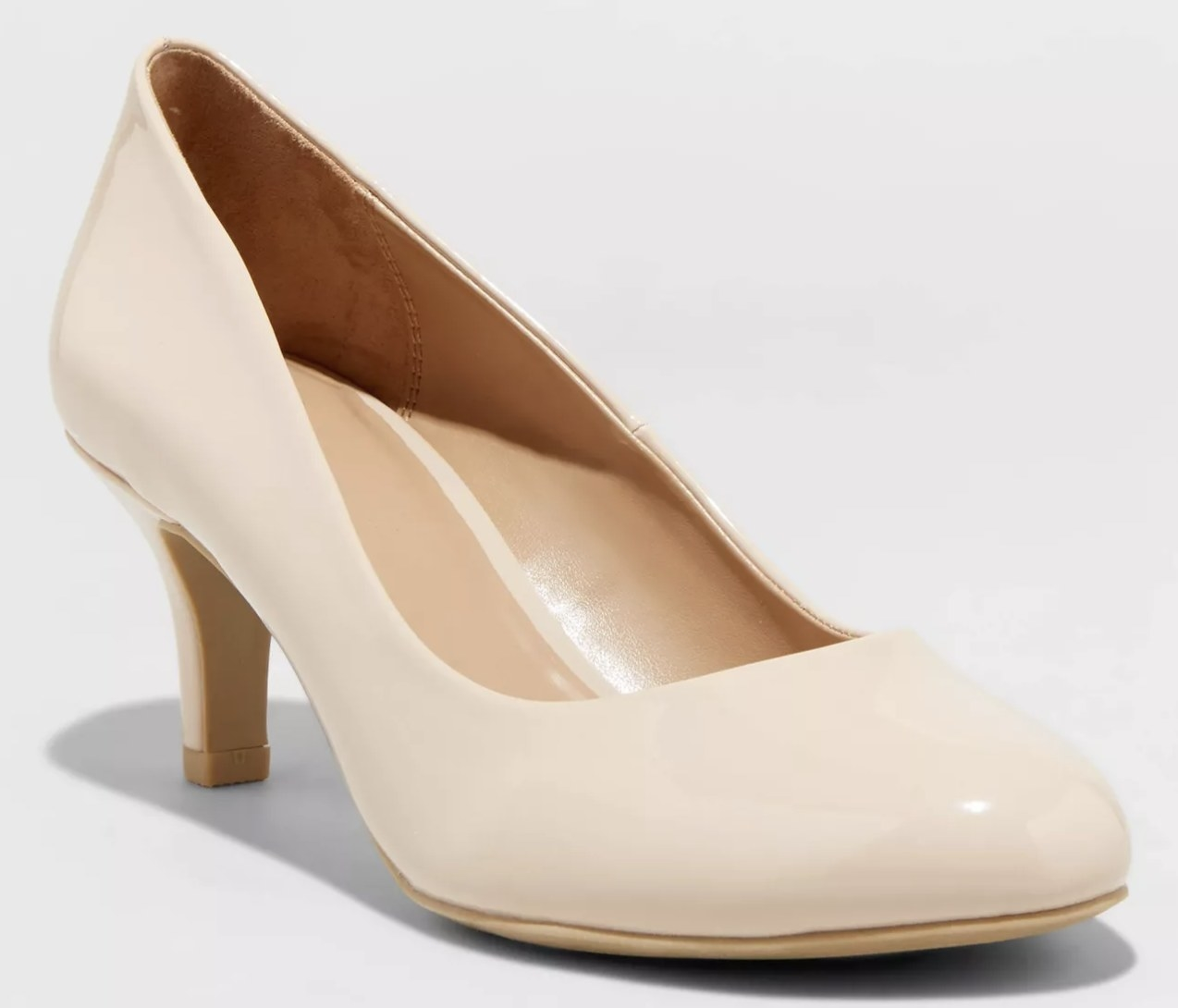 The shoe in taupe